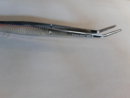 Pensetă metalică cu vărf curbat, 15 cm