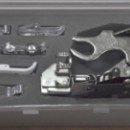 Set universal pentru masinile de cusut contine 8 piese