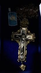 Cruce pectorala aurita cu pietre