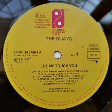 The O'Jays – албум Let Me Touch You
