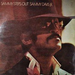 Sammy Davis Jr. – албум Sammy Steps Out