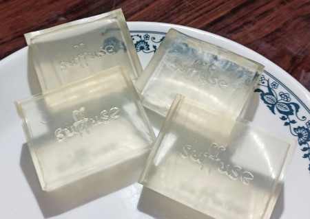 Premium Transparent Re-meltable soap base