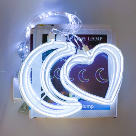 Instalatie in forma de Luna cu Inimioare , BL-384-W, Lumina Rece