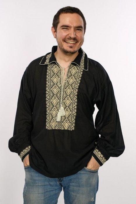 Bluza de barbati in stil traditional, cu broderie cusuta
