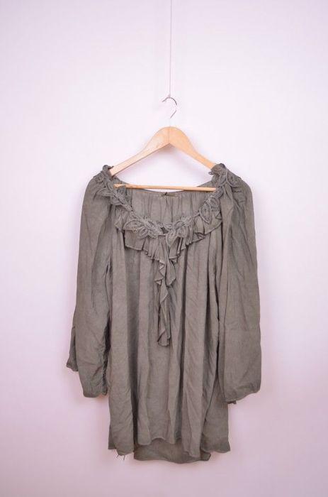 Poze Bluza de dama, marime mare, cu detaliu aplicatie florala,