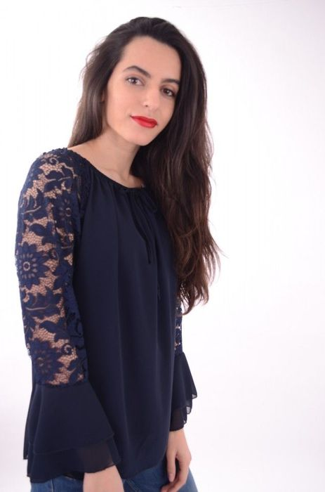Poze Bluza de dama cu maneci din dantela