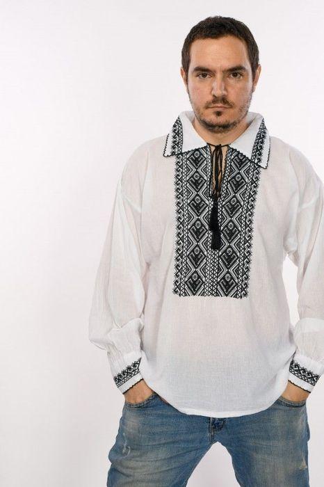 Poze Bluza de barbati traditionala, cu broderie cusuta