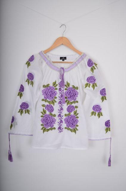 Poze Bluza de dama, cu broderie cusuta