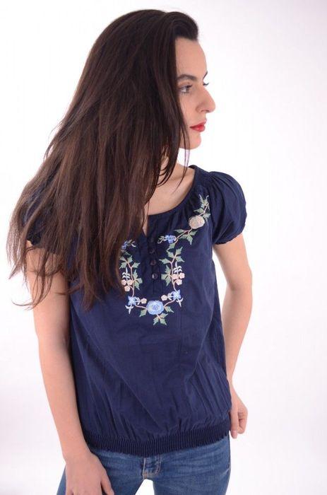 Poze Bluza de dama, broderie colorata