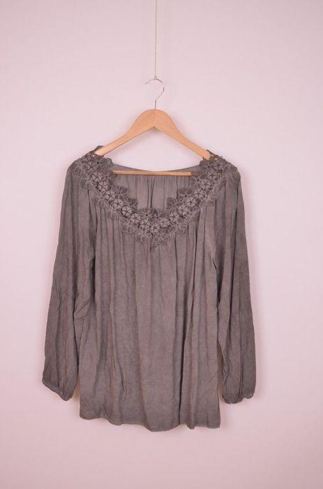 Poze Bluza de femei, maneca lunga, cu detaliu dantela cu perle la gat