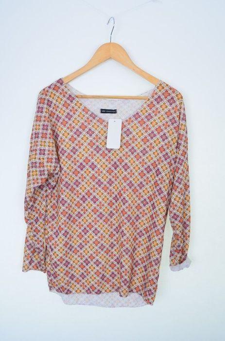 Bluza bej, cu imprimeu colorat romburi