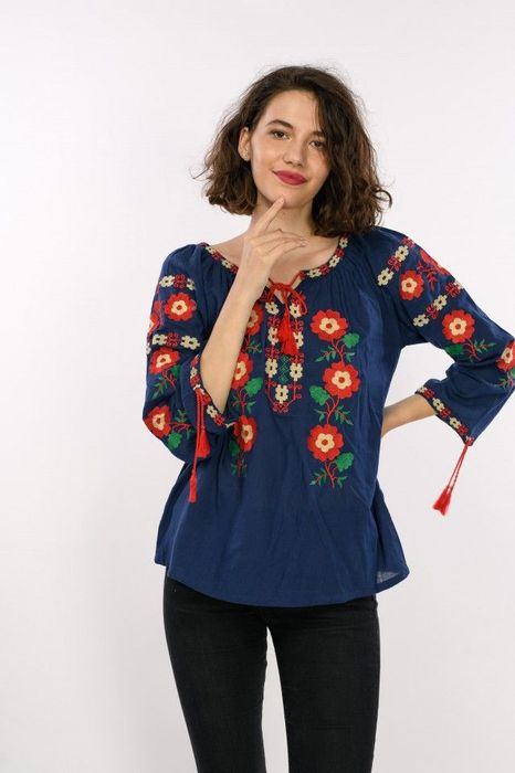 Bluza traditionala dama, maneca trei sferturi, cu broderie colorata images