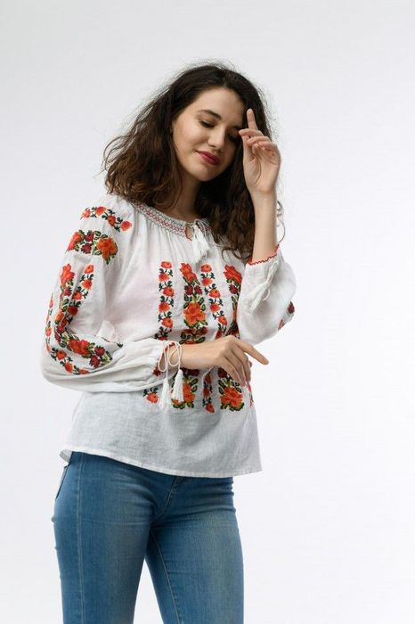 Poze Bluza de dama cu broderie colorata