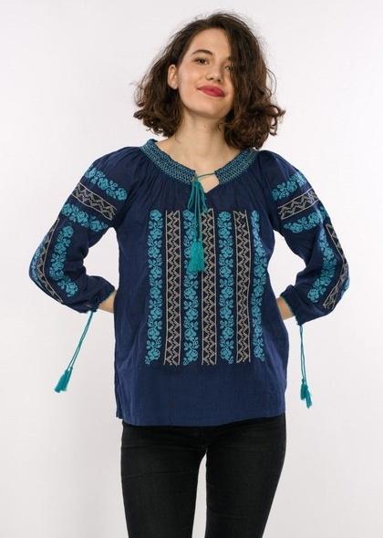 Bluză în stil tradițional, de culoare turcoaz, cu broderie