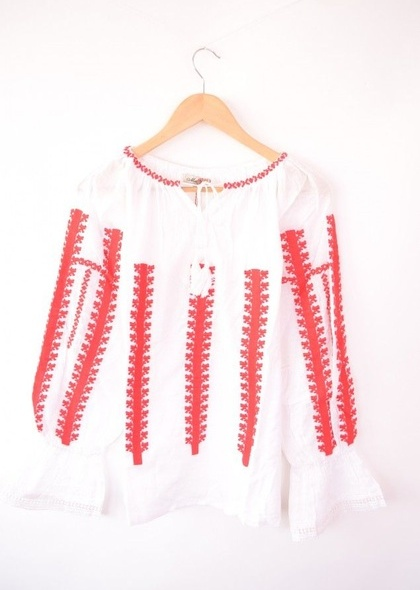 Bluza traditionala de dama, cu broderie cusuta