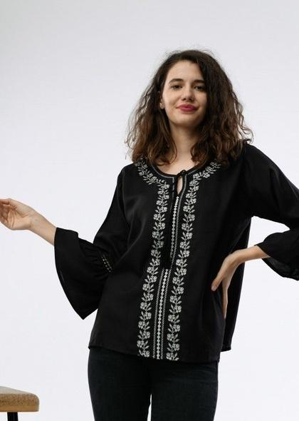 Bluza neagra de dama, cu broderie argintie