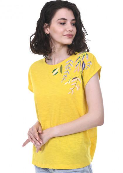 Tricou galben, cu broderie colorata, pe umar