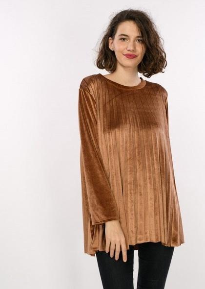 Bluza de dama in pliuri, din catifea