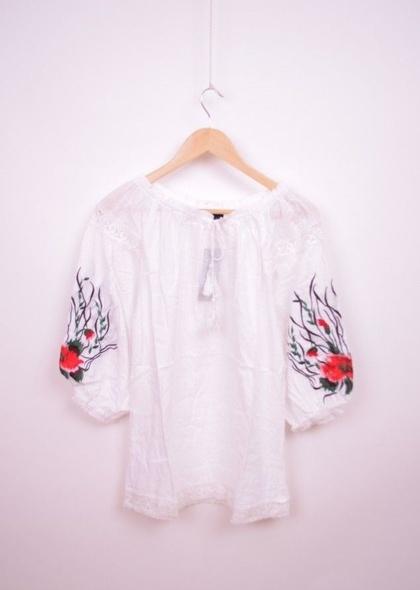 Bluza traditionala de dama, cu broderie colorata pe maneci