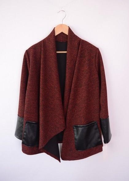 Jacheta cu buzunare si detaliu piele eco