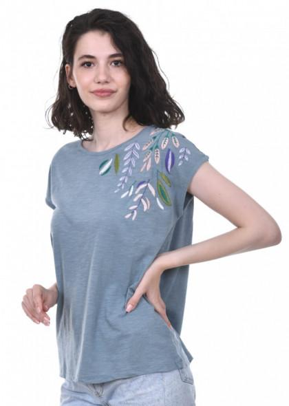 Tricou de dama, din bumbac, cu broderie cusuta colorata