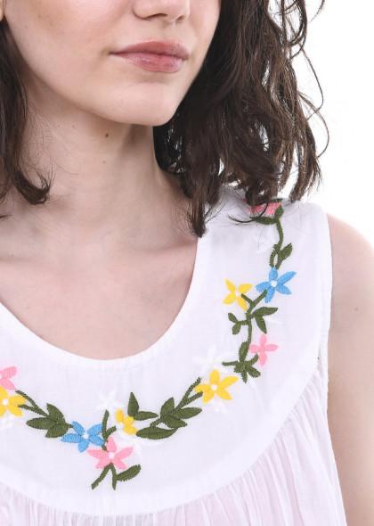 Camasa de noapte Newt, cu broderie florala pe piept, alb