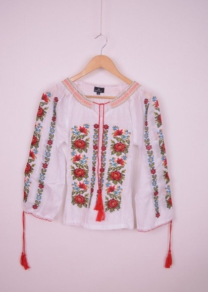 Bluza traditionala de dama, cu broderie frumos colorata
