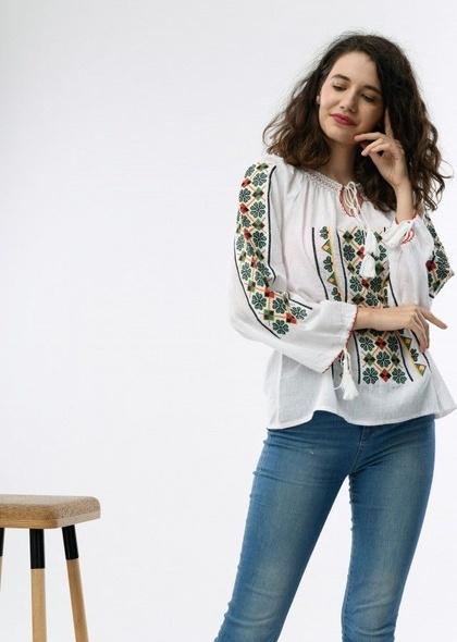 Bluza traditionala de dama cu broderie