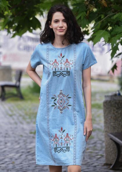 Rochie Newt denim cu broderie colorata, albastru deschis