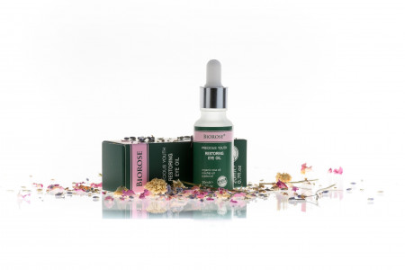 Ulei pentru zona ochilor, Restoring Eye, cu ulei de trandafir, macese si jojoba, Biorose, 20 ml