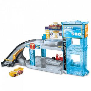 Jucarie Disney Cars by Mattel Garaj Florida 500 cu masinuta