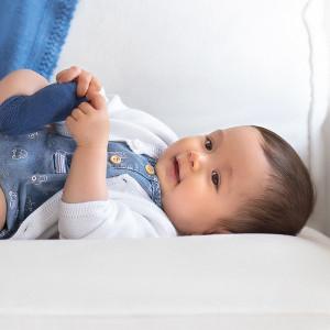 Jacheta neteda bebe nou-nascut