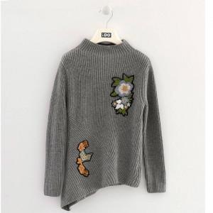 Pulovar tricotat asimetric gri de fete IDO