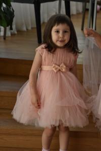 Rochiță din tulle cu perluțe somon pentru prințese