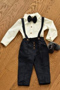 Costum cu pantalon bleumarin 4 piese pentru botez si evenimente