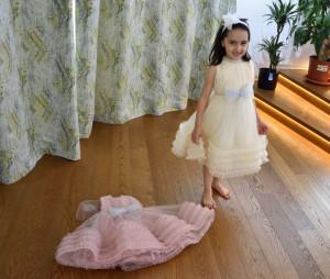 Rochie fete pentru nuntă pe ivoire și roz