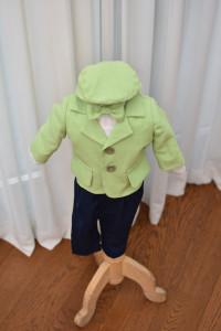 Costum de botez cu sacou verde din in 5 piese