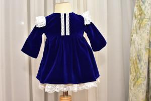 Rochita din catifea albastru electric pentru bebelusi si fetite cu dantela alba