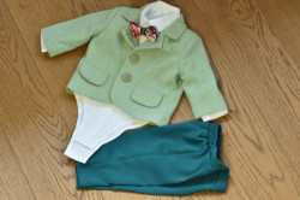 Costum de botez cu sacou verde in 5 piese de baiat