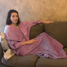 Patură cu mâneci, dimensine 175 x 140 cm, culoare roz pudră
