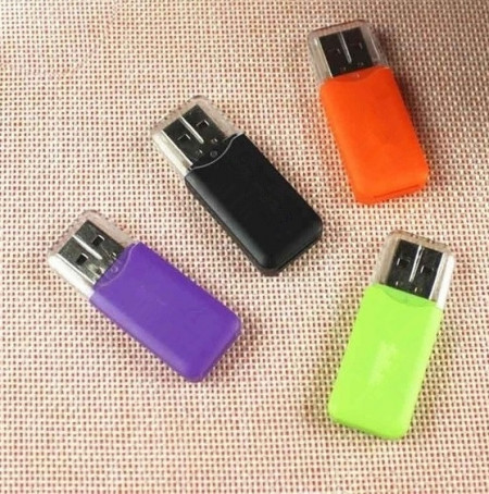 Memorie USB, 64GB, Suport USB 1.1 și 2.0 de mare viteză, Card Reader