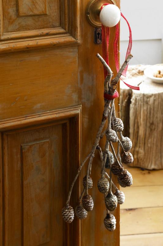 O decoratiune pe zi! Ramurele de pin festive!