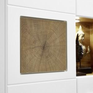 Comoda inalta Aulby cu lumina interioara, MDF/PAL/metal/plastic, alb, 80 x 139 x 37 cm