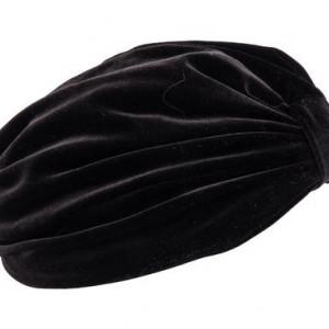 Turban de catifea neagra