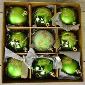 Set de 9 globuri de Craciun, verde