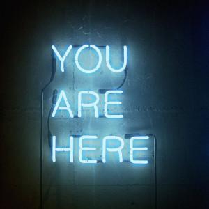 Tablou 'Blue Neon Sign', sticla, 74 x 74 x 2 cm
