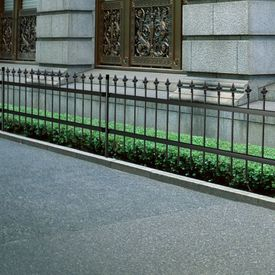 Gard metalic decorativ cu vârf din oțel 120 cm, Negru