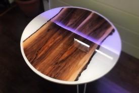 Măsă lemn masiv și rășină epoxidica, 80 cm diametrul, 45 cm inaltimea