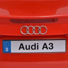 Mașină electrică Audi A3 cu telecomandă, roșu
