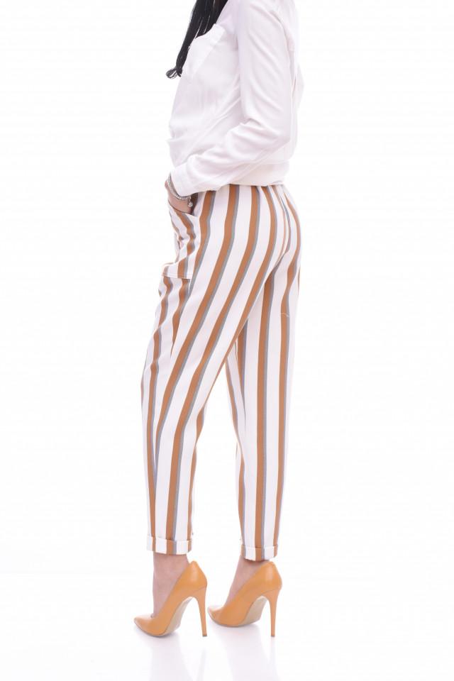 Pantaloni cu dungi maro